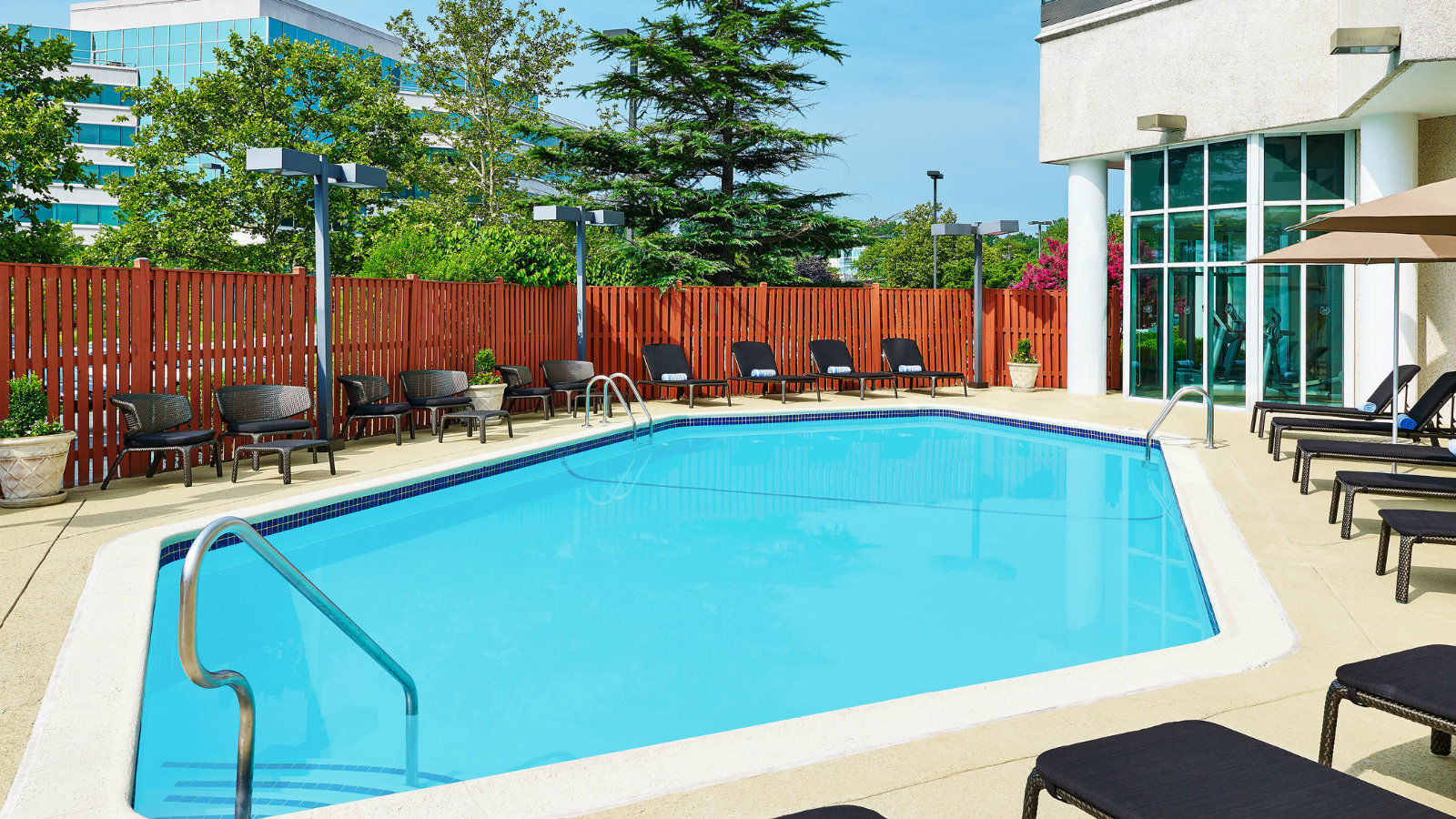 Hotel Features - Outdoor Pool